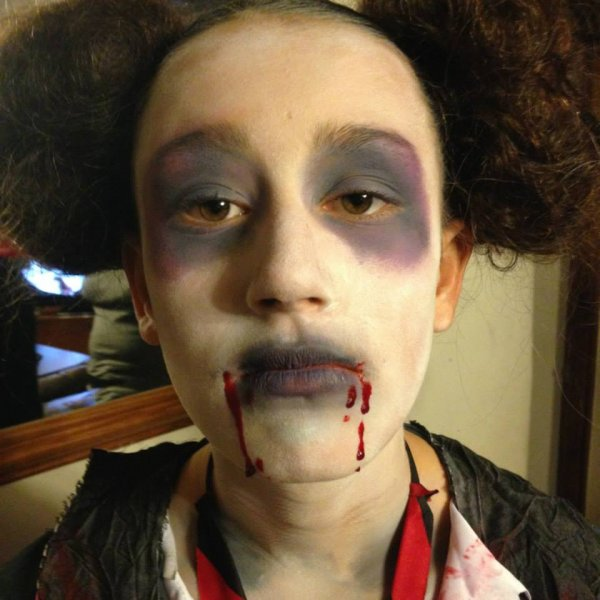 halloween face painting dead school girl